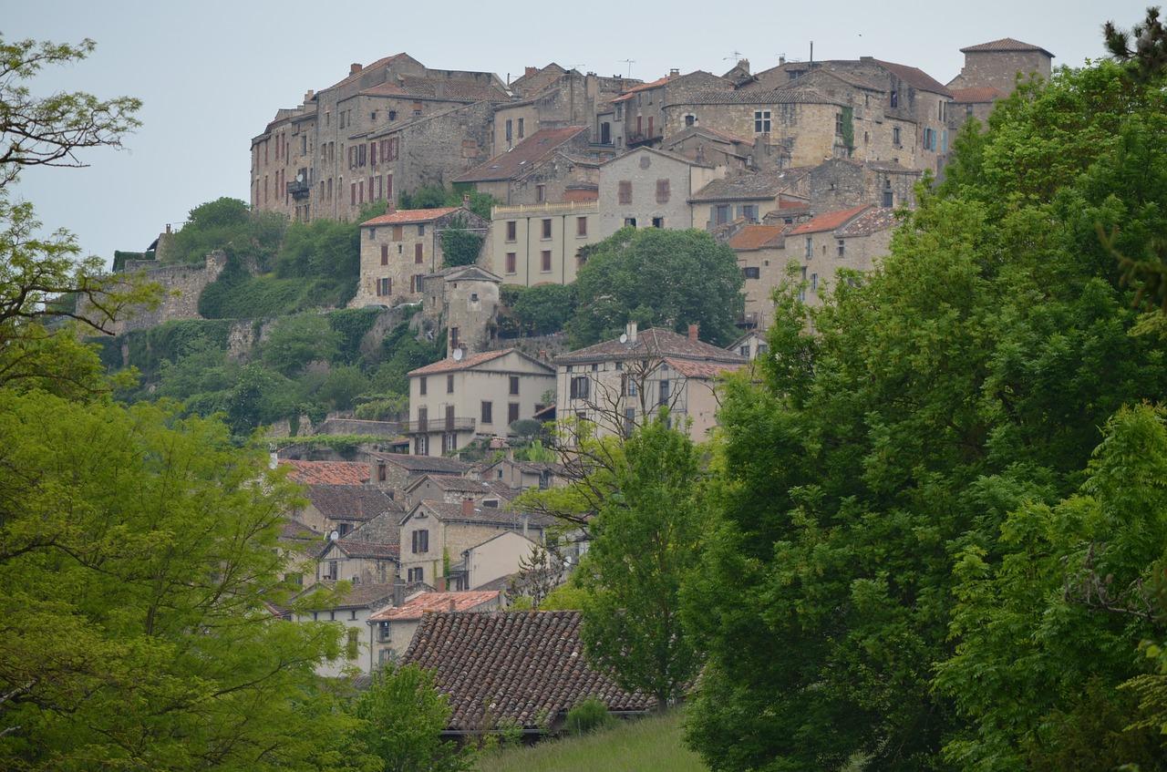 Cassel village pr f r des fran ais la couvertoirade se for Beau village autour de toulouse