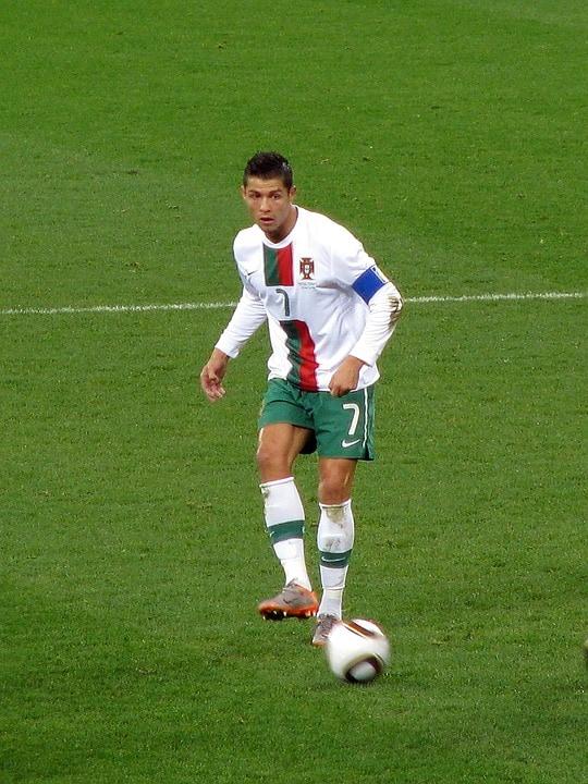 Espagne 3 Portugal 3. Ronaldo marque trois buts