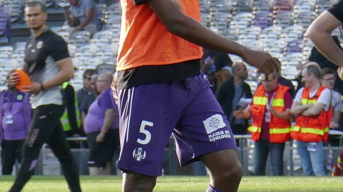 Foot. Issa Diop transféré pour 25 millions d'euros en Angleterre