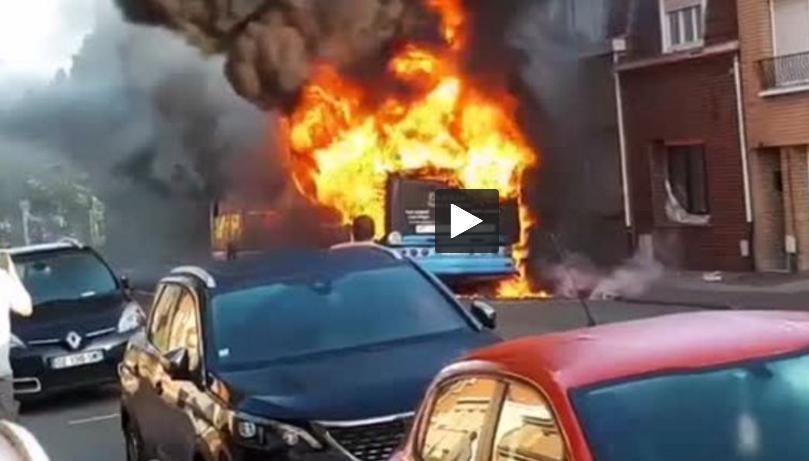 Incendie d'un bus à Dunkerque images impressionnantes