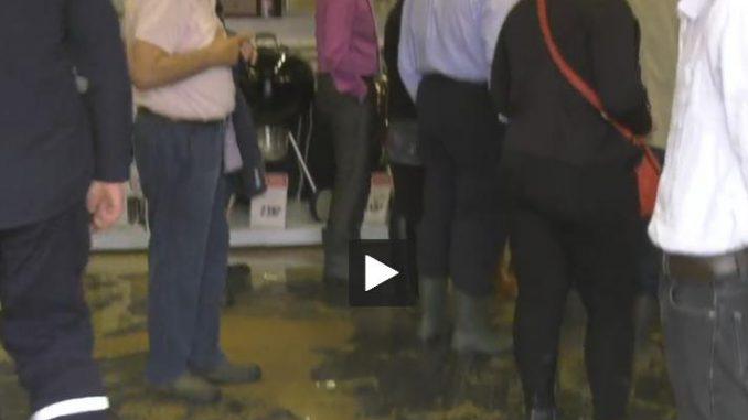Le centre commercial de Moissac inondé