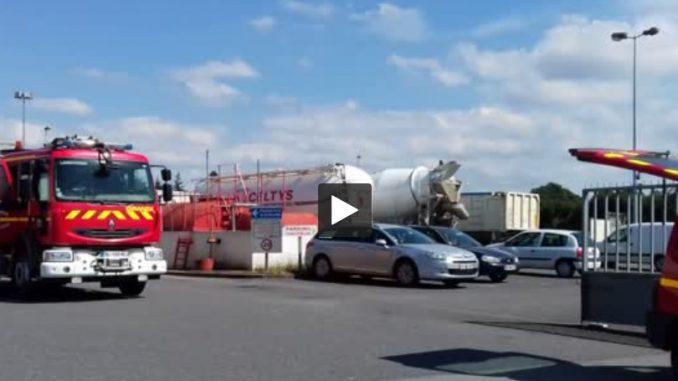 Bretagne. Important incendie dans une usine de poisson fumé à Landivisiau