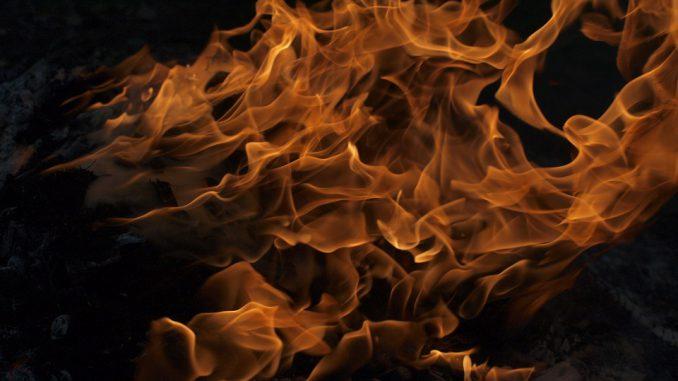 Impressionnant incendie à Tarbes