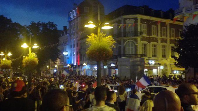 Tarbes. Toulouse ou Albi. scènes de joie après la qualification de la France pour la finale