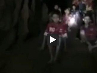 Thaïlande premières images des enfants, après 9 jours dans une grotte