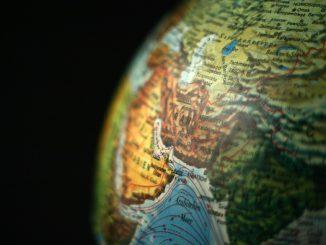 """L'Iran promet des représailles """"terribles"""" après l'attentat d'Ahvaz"""