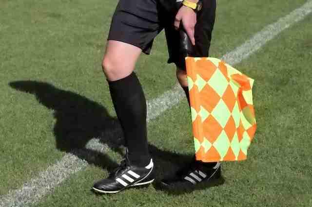 Rennes Toulouse, le carton rouge et le penalty enflamme Twitter et Facebook