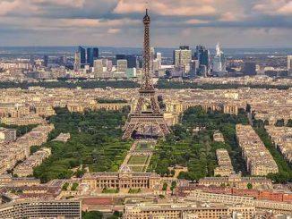 Pas de remaniement avant vendredi annonce Macron, la crise politique se prolonge