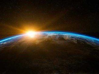 SpaceX le premier touriste lunaire sera un milliardaire japonais