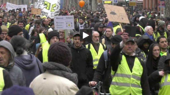 Gilets Jaunes. avant les violences, des milliers de manifestants calmes à Toulouse