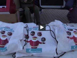 Les Restos du Coeur distribuent leurs premiers jouets de Noël dans les rues de Toulouse