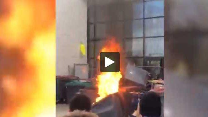 Manif des Lycéens à Toulouse. 1 blessé, 7 arrestation et un lycée partiellement détruit