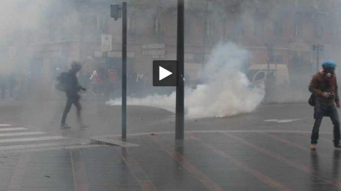 Nouveaux heurts entre lycéens et CRS à Toulouse mardi matin