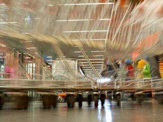 Toulouse. La caissière scannait un produit sur trois, 10 000 € de perte