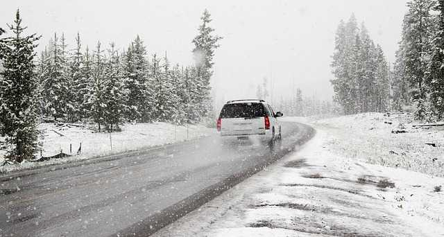 Comment conduire en voiture quand il neige