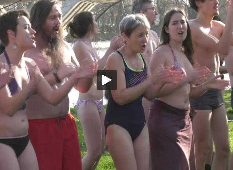 Toulouse en Hiver, en maillot de bain pour le Climat