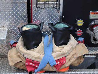 Des Pompiers cibles de tirs par arme à feu à Albi