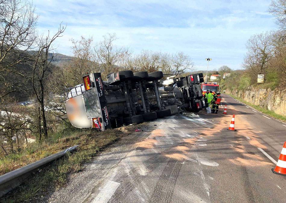 Impressionnant accident de poids lourd à Souillac