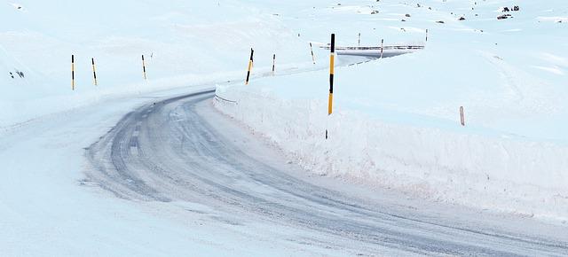Neige sur les Pyrénées, équipements spéciaux obligatoires vers l'Andorre