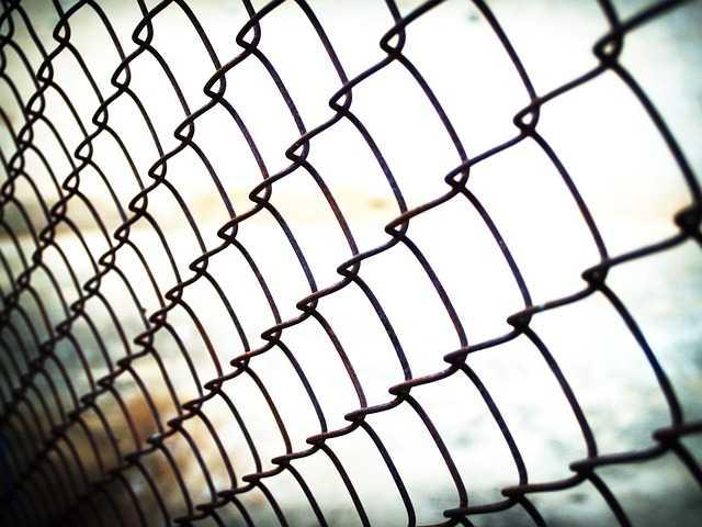 Un bébé de 3 semaines enfermé au centre de rétention de Toulouse (CIMADE)