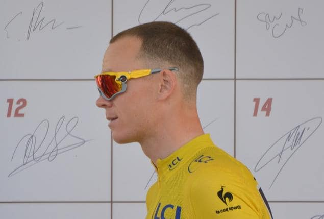 Le coureur cycliste Chris Froome, quadruple vainqueur du tour de France ne sera pas sur les routes des Pyrénées cette année. Le coureur cycliste britannique qui avait fait l'impasse sur le tour d'Italie 2019 participait au prestigieux criterium du Dauphiné. Il est tombé lors des reconnaissances d'une étape et se serait fracturé le bassin. Son équipe a annonce son abandon pour l'édition 2019 du Tour de France.