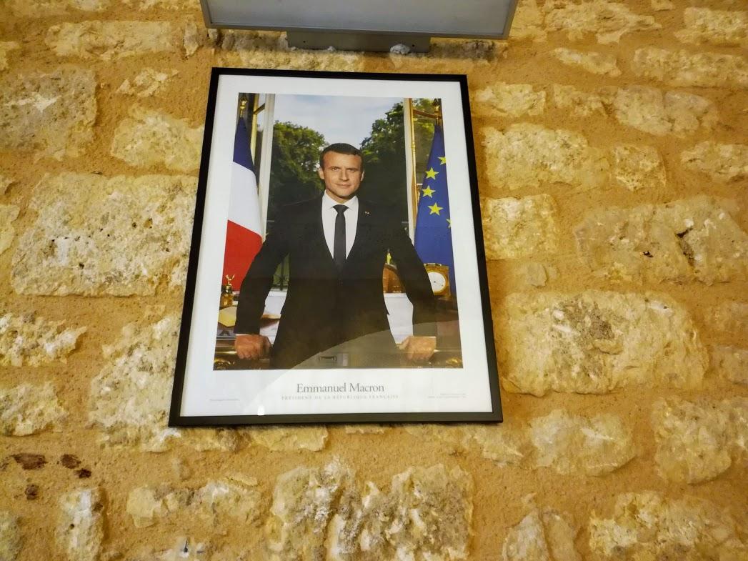 Portraits de Macron décrochés à Paris. Huit militants condamnés