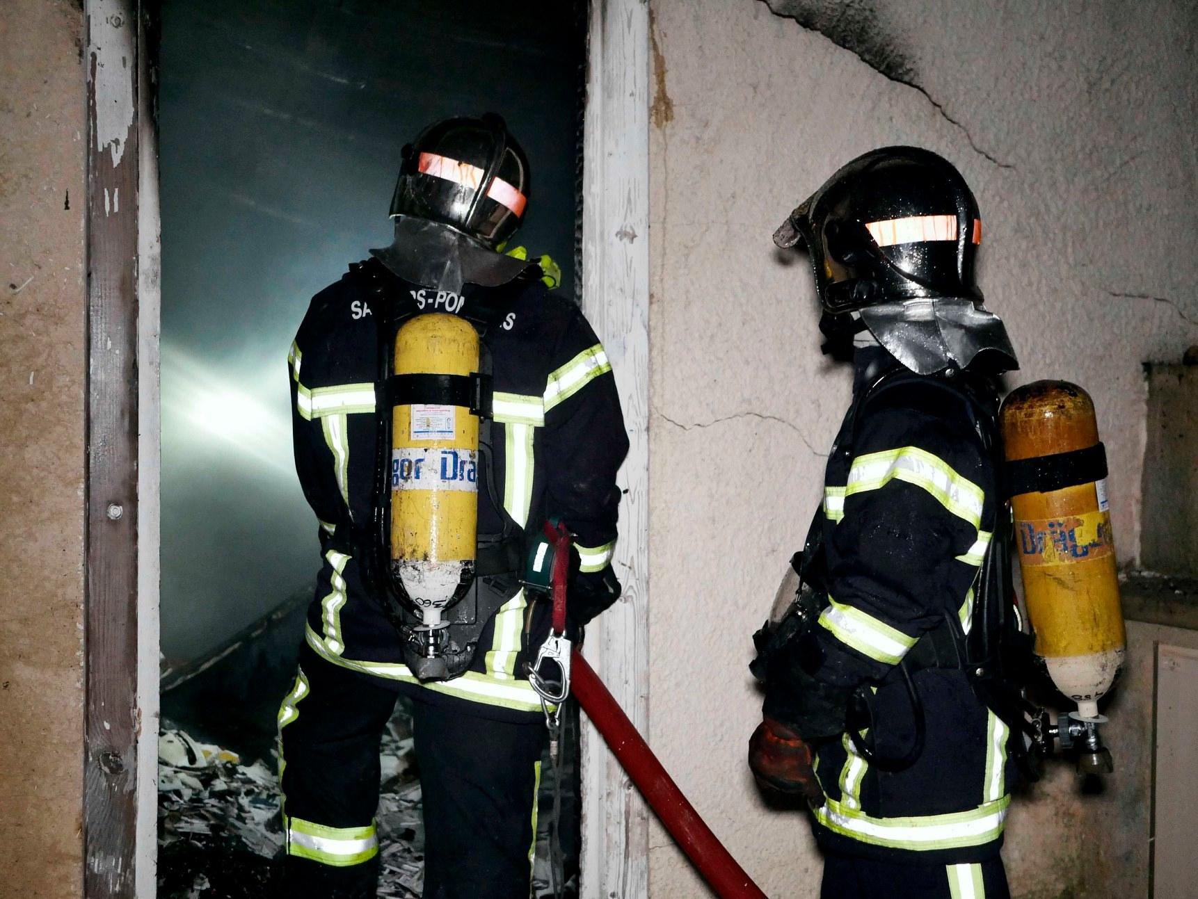 Gramat, l'hôtel en parti détruit dans un incendie