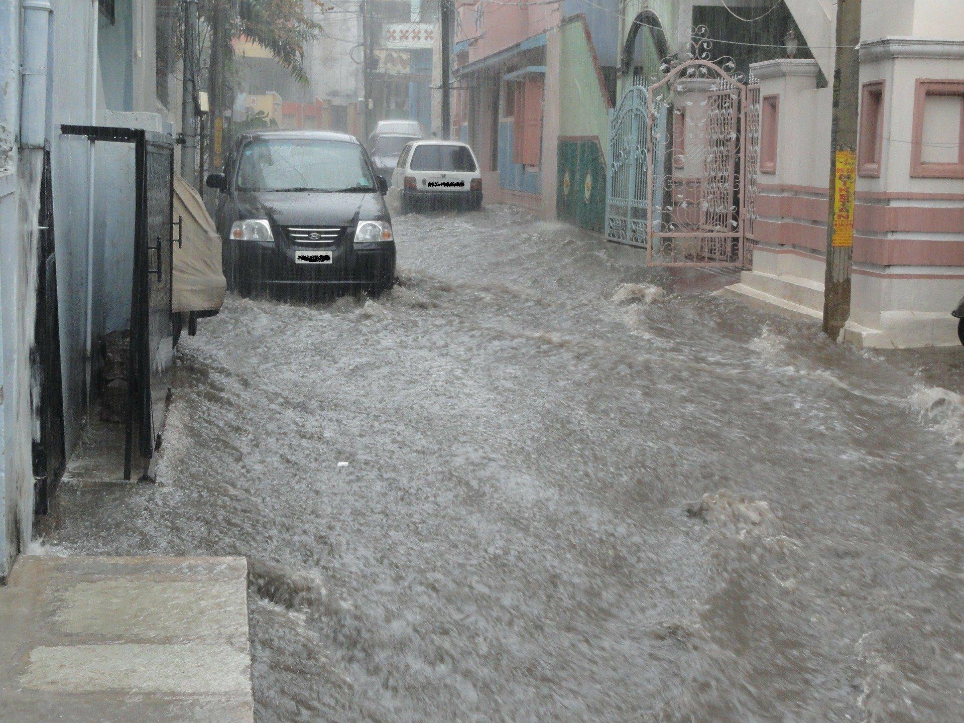Fait Divers Saint Pee Sur Nivelle inondations. 2 départements des pyrénées en alerte orange