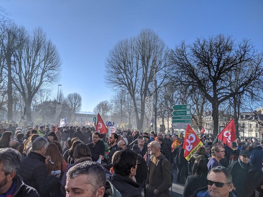 Retraites, des dizaines de milliers à dire non à Macron à Toulouse
