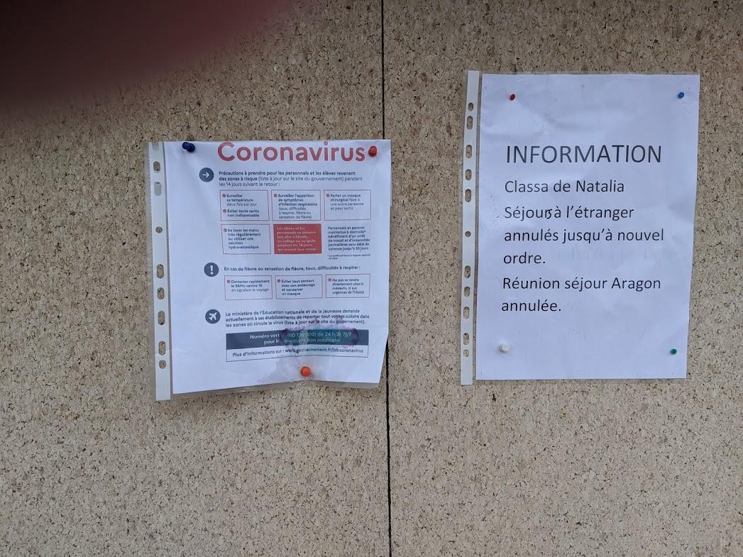 """La France est entrée le weekend dernier dans le """"Stade 2"""" de prévention au coronavirus. Le virus circulant déjà en France et dans notre région, notamment vers Montpellier, les pouvoirs public annoncent qu'il n'y a plus besoin de confiner des personnes revenant des zones exposées au coronavirus. Les écoliers ou le personnel scolaire concernés peuvent donc retourner à l'école, c'est ce qu'affirme le rectorat de Montpellier. Ses responsables rappellent aussi qu'en cas de fermetures de classes à répétition, ce qui n'est pas le cas pour le moment, le CNED, le Centre national d'enseignement à distance, pourrait prendre le relais et proposer des cours à domicile. Pour éviter d'attraper le virus, les pouvoirs publics vous recommandent de régulièrement vous laver les mains, d'éviter tout contact avec des personnes fragiles, mais aussi de surveiller l'apparition de la toux, de fièvre ou de difficultés respiratoires."""