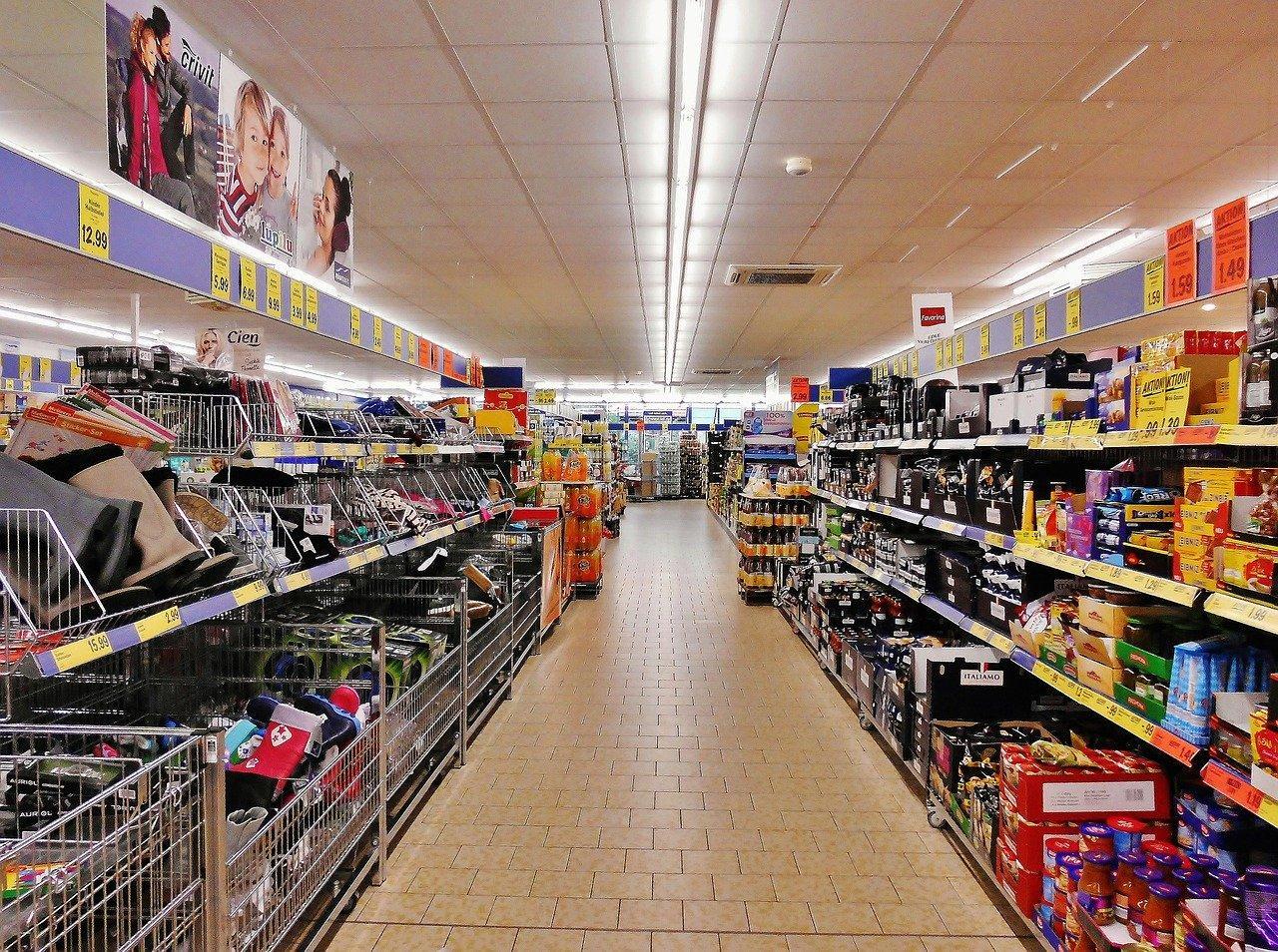 Coronavirus, la foule dans les supermarchés de Toulouse