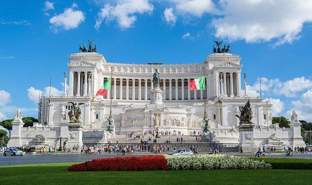 Covid-19 : après deux mois de confinement, l'Italie allume le moteur de son économie