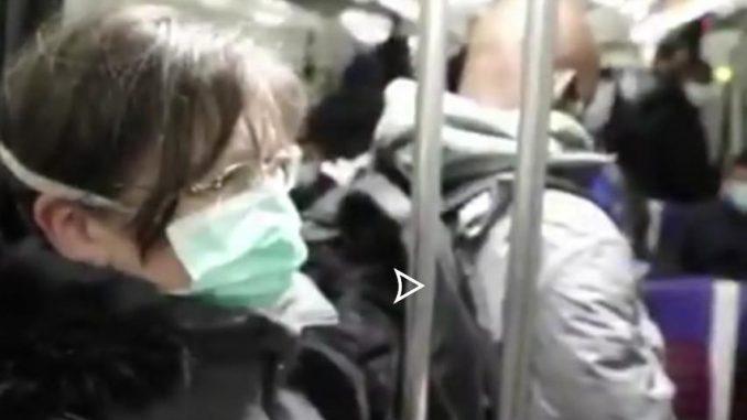 Déconfinement : des lignes de métro bondées à Paris (vidéo)