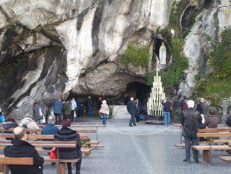 Réouverture sanctuaires grotte Lourdes