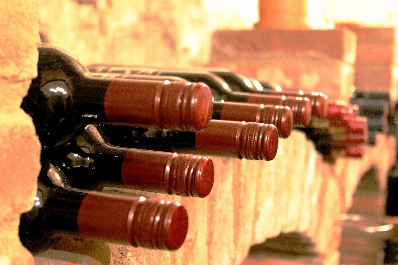 Pourquoi choisir une cave à vin pour le vieillissement de son vain ?