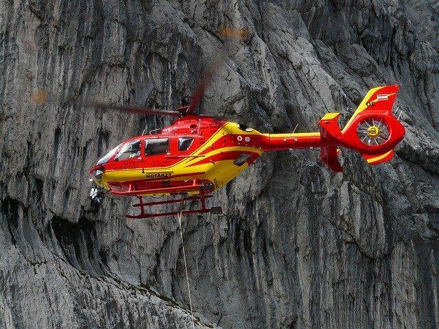 Pyrénées. l'incroyable sauvetage d'un hélicoptère par un autre hélicoptère