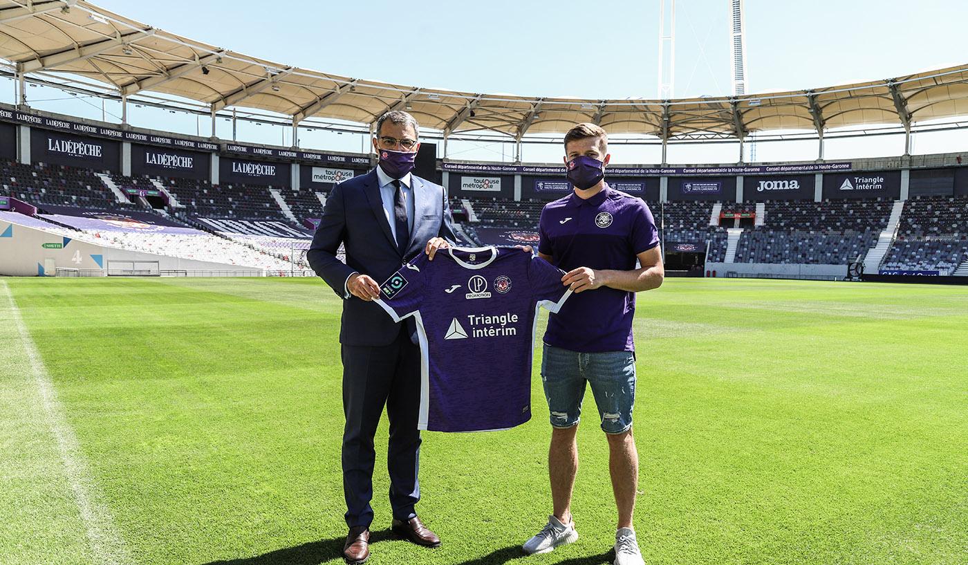 Rhys Healey un attaquant anglais signe un Toulouse Football Club