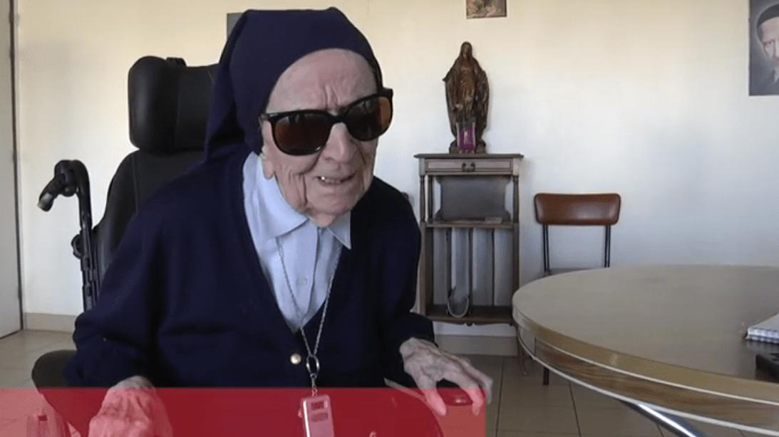 Soeur André, 115 ans est la doyenne des Français