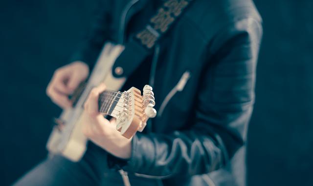 Biolay triomphe aux Victoires de la musique