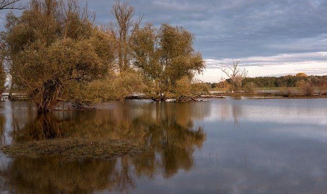 Les impressionnantes images des crues de la Garonne à Marmande