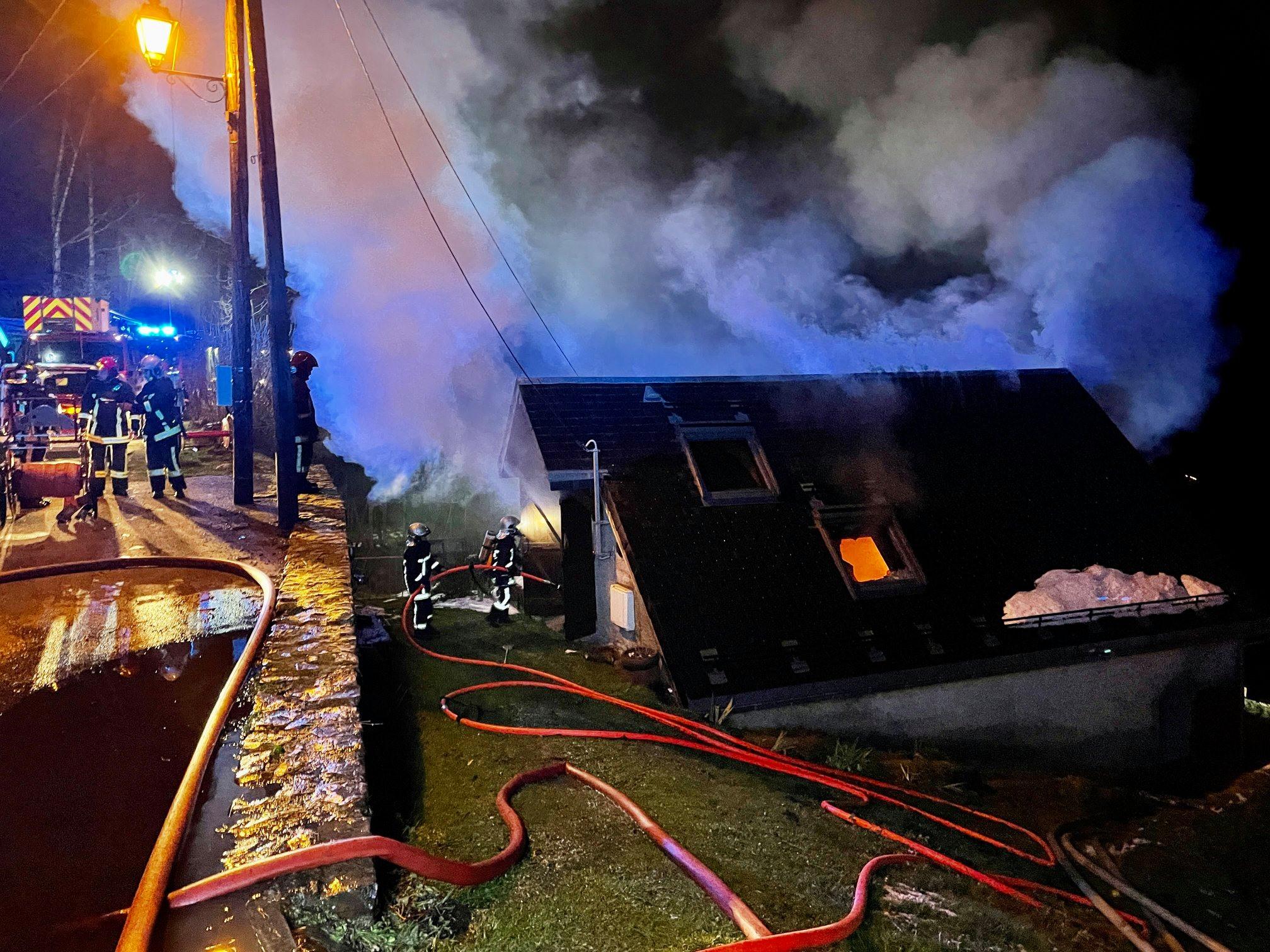 maison détruite incendie près de Bagnères de Luchon