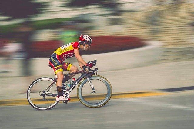 Van Aert vainqueur du Ventoux, Pogacar distancé